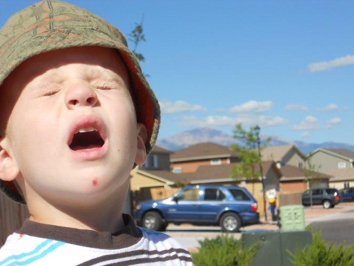 síntomas de alergia al moho en los niños